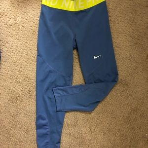 Nike cropped legging